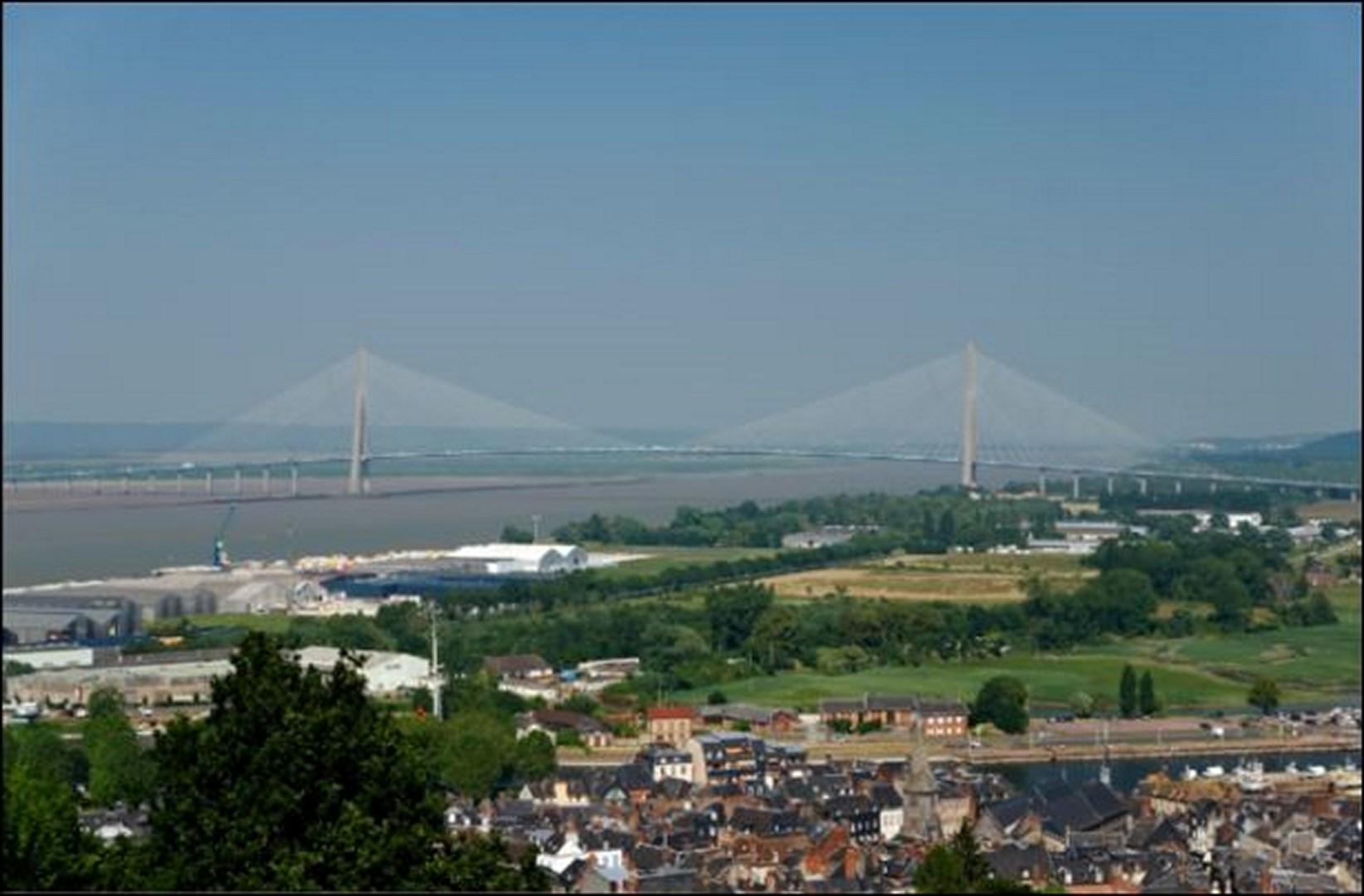 Honfleur et le pont de Normandie