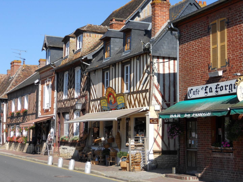 Beauvron main street