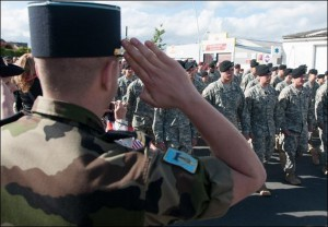 French Soldiers saluting American soldiers