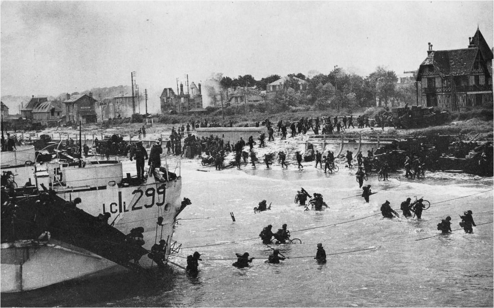 Juno Beach 1944 | American D-Day Tours | Normandy Beaches Battlefield Guide